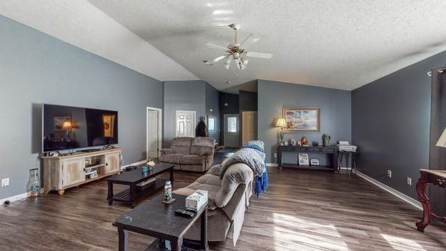 9458 Parker Place Drive, Navarre, FL 32566 (MLS #875194) :: NextHome Cornerstone Realty