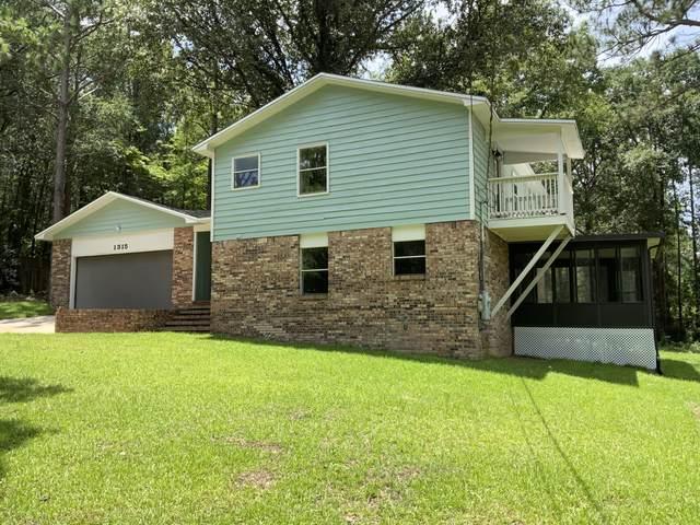 1315 Grandview Drive, Crestview, FL 32539 (MLS #877102) :: Scenic Sotheby's International Realty