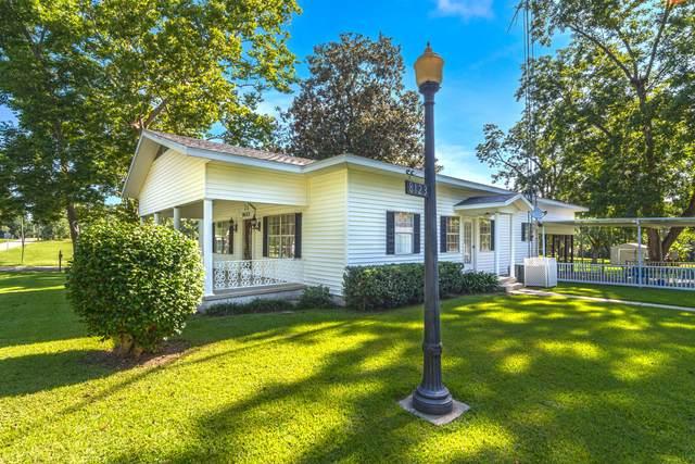 8123 4th Street, Laurel Hill, FL 32567 (MLS #877438) :: Scenic Sotheby's International Realty