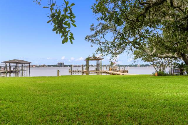 902 Sara Drive, Shalimar, FL 32579 (MLS #881385) :: Coastal Luxury