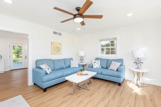 335 NW Holmes Boulevard, Fort Walton Beach, FL 32548 (MLS #882730) :: Briar Patch Realty