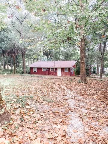 805 Squirrel Road, Defuniak Springs, FL 32433 (MLS #883146) :: Berkshire Hathaway HomeServices PenFed Realty