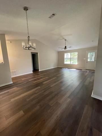 8955 Longmont Way, Milton, FL 32583 (MLS #883871) :: Scenic Sotheby's International Realty