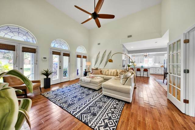 1120 W Troon Drive, Niceville, FL 32578 (MLS #884267) :: Scenic Sotheby's International Realty
