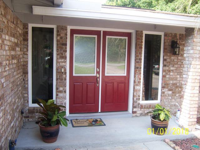 25 Walnut Avenue, Shalimar, FL 32579 (MLS #798026) :: Luxury Properties Real Estate