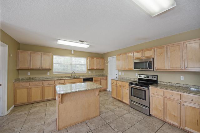 5327 Ten Point Drive, Crestview, FL 32539 (MLS #803533) :: Luxury Properties Real Estate