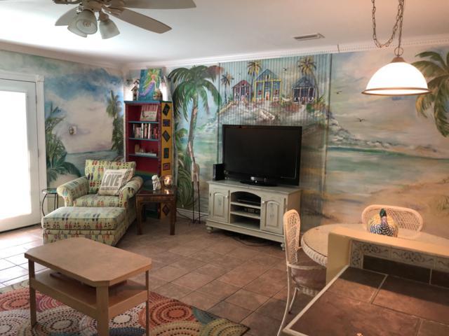 1428 Bahia Drive E, Navarre, FL 32566 (MLS #816158) :: Keller Williams Emerald Coast