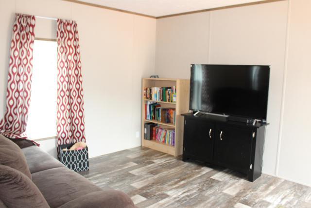 5285 Kervin Road, Crestview, FL 32539 (MLS #817263) :: Classic Luxury Real Estate, LLC