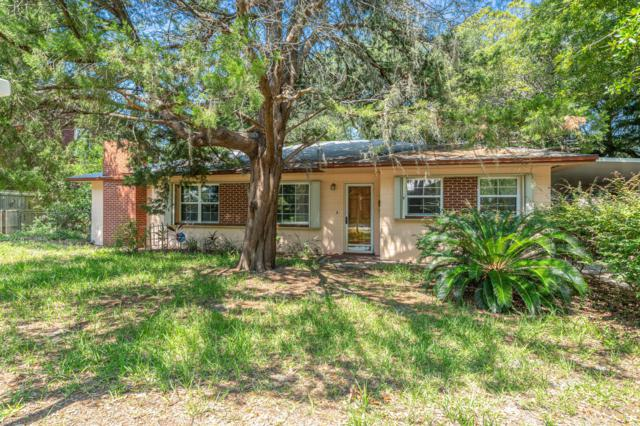 200 SE Alconese Avenue, Fort Walton Beach, FL 32548 (MLS #827442) :: ResortQuest Real Estate