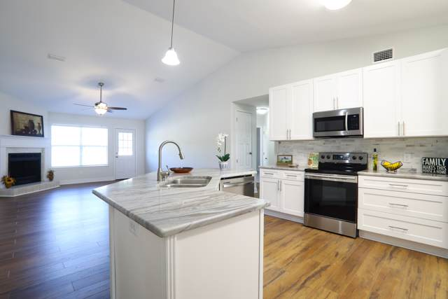 1928 Seagrape Drive, Navarre, FL 32566 (MLS #835064) :: Classic Luxury Real Estate, LLC