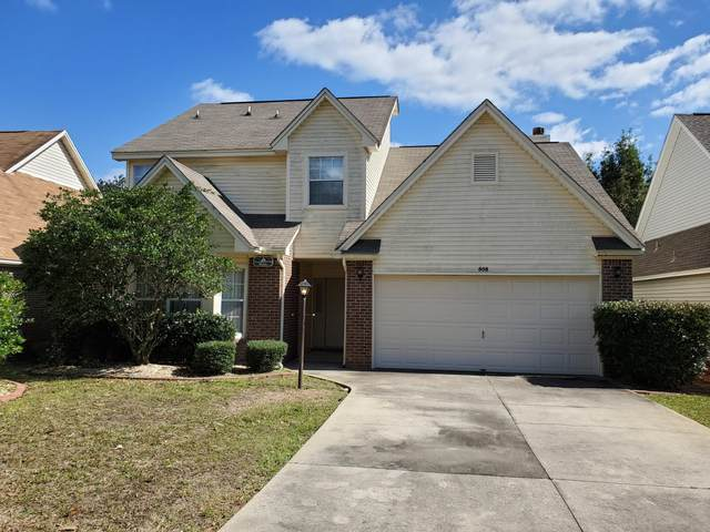 808 Fairway Lakes Drive, Niceville, FL 32578 (MLS #840717) :: ResortQuest Real Estate