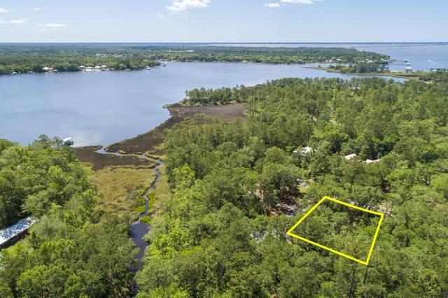 16 Bear Creek Court, Freeport, FL 32439 (MLS #845669) :: Berkshire Hathaway HomeServices Beach Properties of Florida