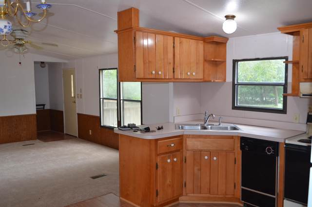 74 Maple Street, Freeport, FL 32439 (MLS #855975) :: Scenic Sotheby's International Realty