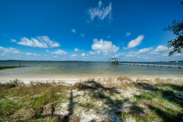 2007 Plantation Oaks Drive, Navarre, FL 32566 (MLS #823674) :: The Beach Group