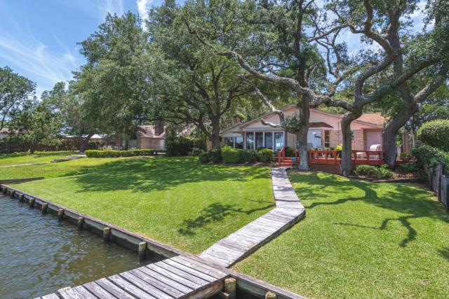 625 Cinco Terrace Lane, Fort Walton Beach, FL 32547 (MLS #825677) :: Scenic Sotheby's International Realty