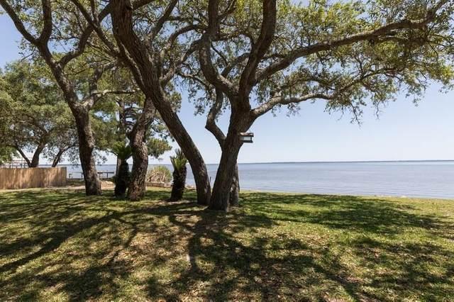 204 Bayshore Drive, Freeport, FL 32439 (MLS #877201) :: Counts Real Estate Group