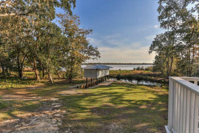 541 Pitts Bayshore Drive, Freeport, FL 32439 (MLS #810513) :: Classic Luxury Real Estate, LLC