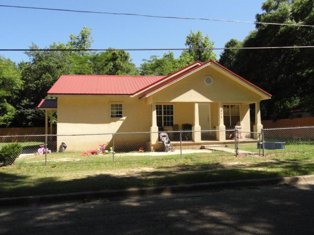 604 S Wilson Street, Crestview, FL 32536 (MLS #774978) :: Coast Properties