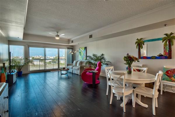 725 Gulf Shore Drive Unit 204B, Destin, FL 32541 (MLS #778497) :: Classic Luxury Real Estate, LLC