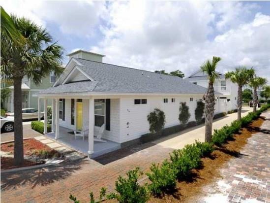 4429 Luke Avenue, Destin, FL 32541 (MLS #790486) :: Scenic Sotheby's International Realty