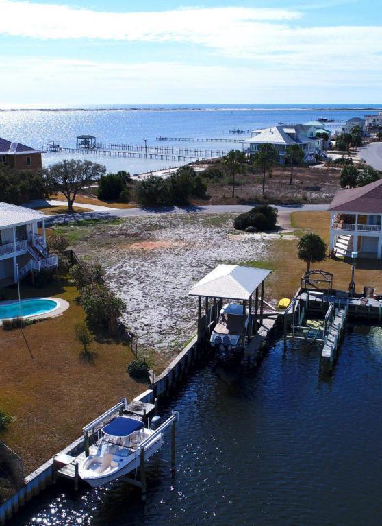 5604 Grande Lagoon Ct, Pensacola, FL 32507 (MLS #791761) :: Keller Williams Realty Emerald Coast