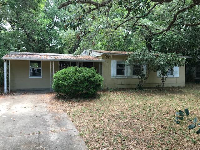 31 SE Choctawhatchee Road, Fort Walton Beach, FL 32548 (MLS #799012) :: Luxury Properties Real Estate