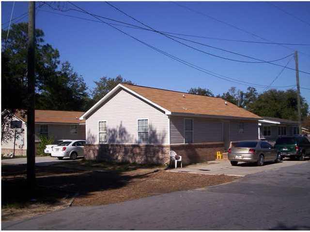 218 NW Poplar Avenue, Fort Walton Beach, FL 32548 (MLS #800339) :: Luxury Properties Real Estate