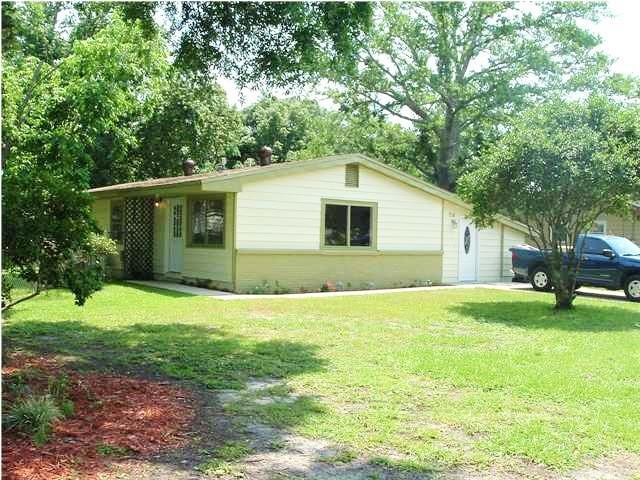 216 NW Moriarty Street, Fort Walton Beach, FL 32548 (MLS #803149) :: RE/MAX By The Sea