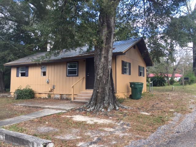 82 N 1St Street, Defuniak Springs, FL 32433 (MLS #803282) :: Classic Luxury Real Estate, LLC
