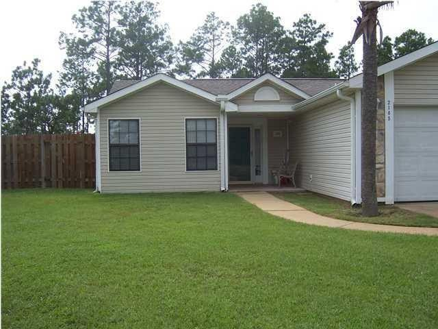 2105 Seagrape Drive, Navarre, FL 32566 (MLS #804655) :: Classic Luxury Real Estate, LLC