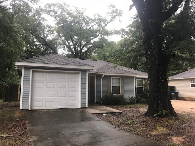 311 S Lincoln Street, Crestview, FL 32536 (MLS #804667) :: Luxury Properties Real Estate