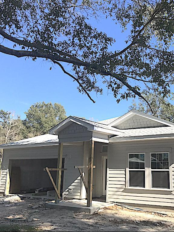 1563 Hickory Street, Niceville, FL 32578 (MLS #814115) :: RE/MAX By The Sea