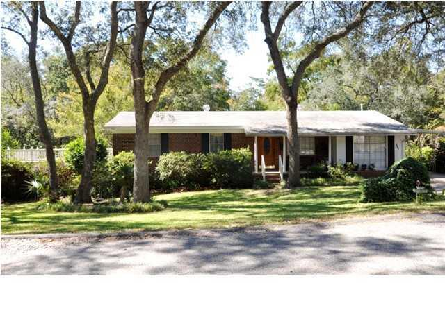 193 Spencer Place, Valparaiso, FL 32580 (MLS #815871) :: Berkshire Hathaway HomeServices Beach Properties of Florida