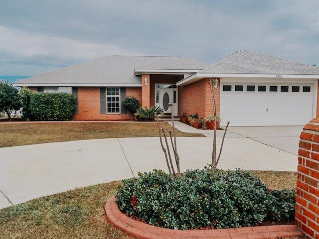 9987 Parker Lake Circle, Navarre, FL 32566 (MLS #818930) :: Classic Luxury Real Estate, LLC