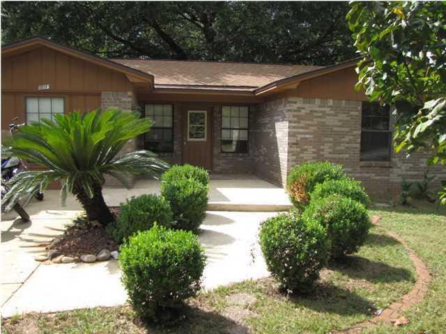 110 James Street, Crestview, FL 32536 (MLS #821814) :: Classic Luxury Real Estate, LLC