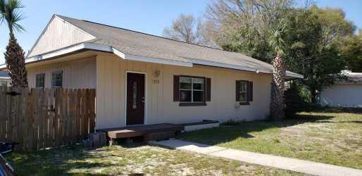 235 Chicago Avenue, Valparaiso, FL 32580 (MLS #821877) :: Classic Luxury Real Estate, LLC
