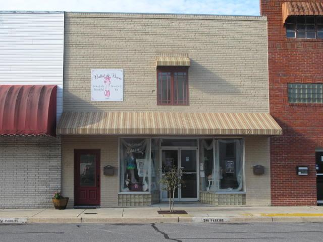 504 Main St - Photo 1