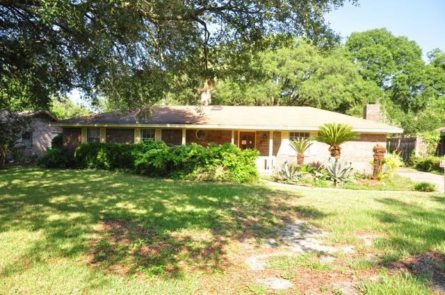 618 Burgundy Lane, Fort Walton Beach, FL 32547 (MLS #825191) :: ResortQuest Real Estate