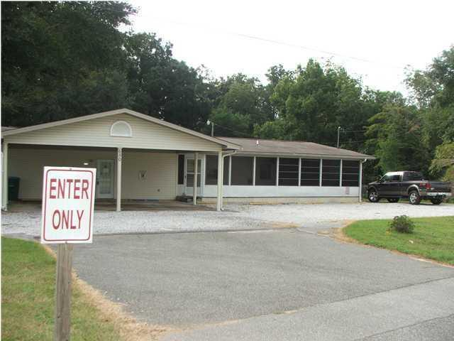 650 Industrial Drive, Crestview, FL 32539 (MLS #825256) :: Keller Williams Emerald Coast