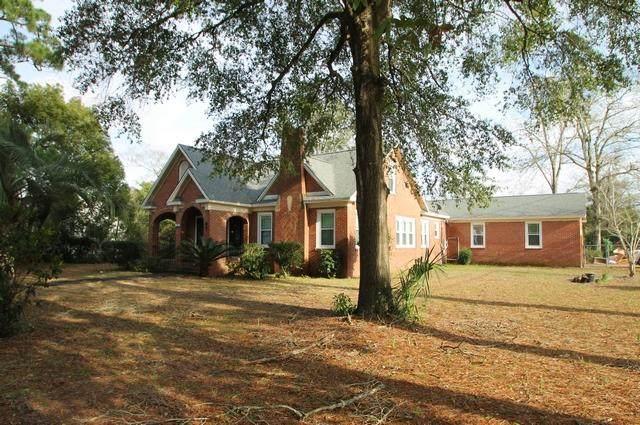 301 E Hickory Avenue, Crestview, FL 32536 (MLS #840739) :: Somers & Company