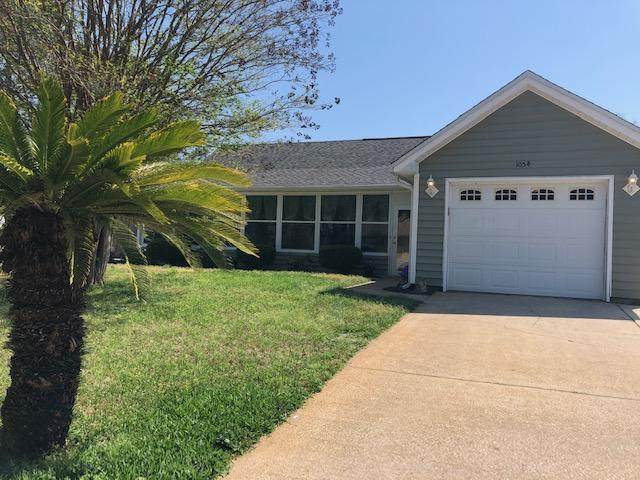 1054 Quail Hollow Drive, Mary Esther, FL 32569 (MLS #843714) :: Berkshire Hathaway HomeServices Beach Properties of Florida
