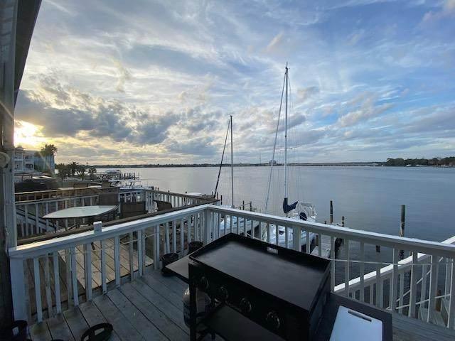 210 Snug Harbour Drive, Shalimar, FL 32579 (MLS #843745) :: Linda Miller Real Estate