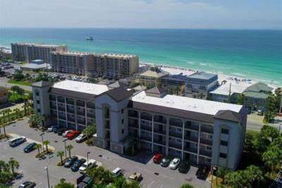 732 Scenic Gulf Drive Unit C103, Miramar Beach, FL 32550 (MLS #866116) :: The Chris Carter Team