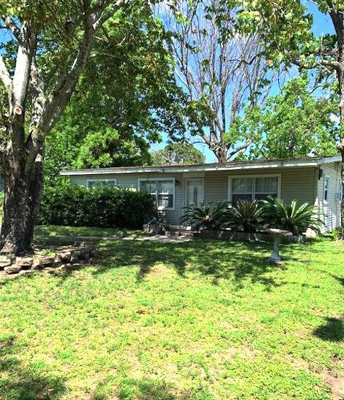 680 Blackstone Road, Mary Esther, FL 32569 (MLS #871699) :: Beachside Luxury Realty