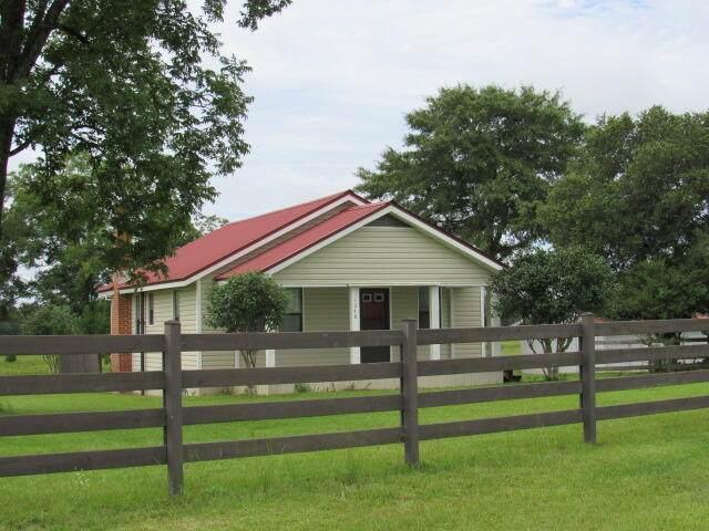 1048 Varnum Road, Laurel Hill, FL 32567 (MLS #876461) :: Better Homes & Gardens Real Estate Emerald Coast