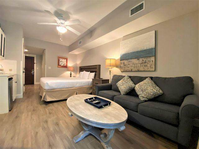 9300 Baytowne Wharf Boulevard Unit 323, Miramar Beach, FL 32550 (MLS #877746) :: Better Homes & Gardens Real Estate Emerald Coast