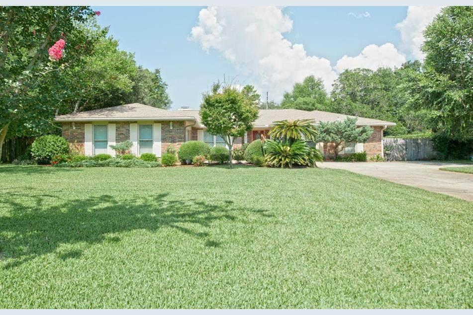 177 Country Club Road - Photo 1
