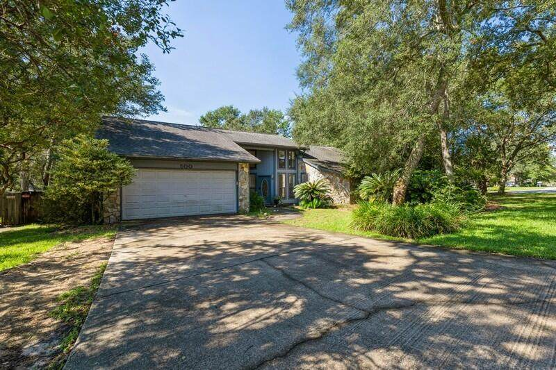 500 Garden Oak Cove - Photo 1