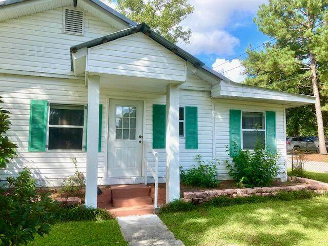 293 Bruce Avenue, Defuniak Springs, FL 32435 (MLS #882187) :: Scenic Sotheby's International Realty