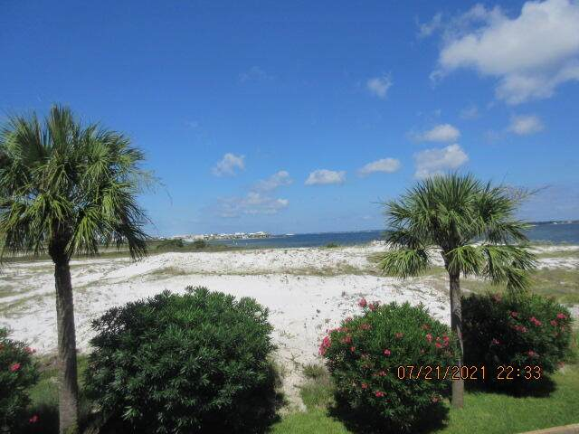 1440 Paradise Point Drive Unit 16, Navarre, FL 32566 (MLS #883576) :: Briar Patch Realty